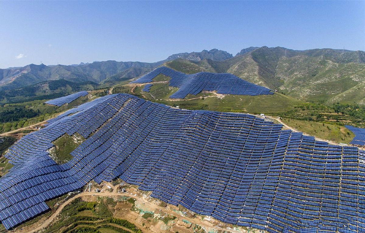 全国最大集中式光伏电站——芮城领跑者基地项目正式开工,绵延40公里